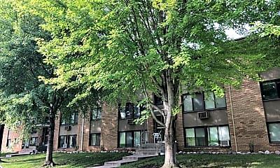 Grass Lake Manor Apartments, 2