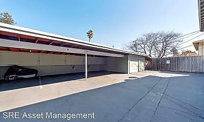 Building, 161 Towne Terrace, 2