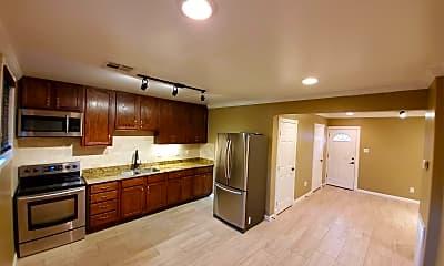 Kitchen, 3108 Aster St, 0