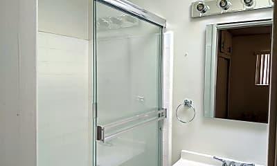 Bathroom, 6023 Whitsett Ave, 2