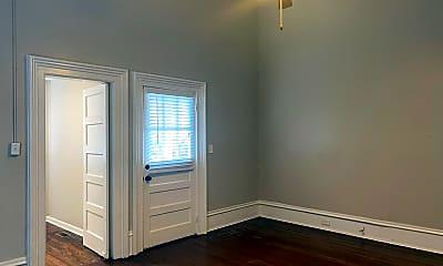 Bedroom, 1065 College St, 1