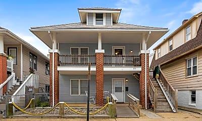 Building, 111 N Windsor Ave, 2