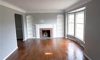 Living Room, 14821 Strathmoor St, 2