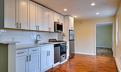 Kitchen, 89 Walnut St 2, 1