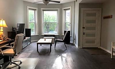 Living Room, 2645 N Sacramento Ave, 1