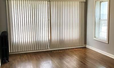 Living Room, 624 E 103rd Pl 1, 1
