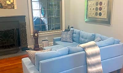 Living Room, 1313 Moultrie Court, 1