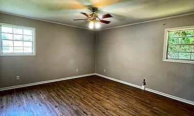 Living Room, 2720 N Wallace Dr, 2