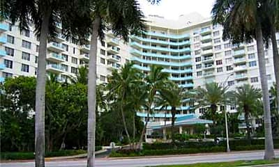 5161 Collins Ave 1416, 2
