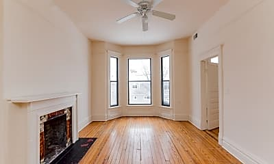 Living Room, 1401 W Huron St, 2