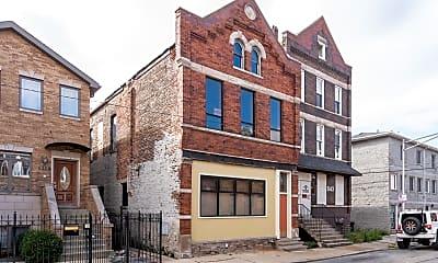Building, 841 W 33rd St 2R, 0