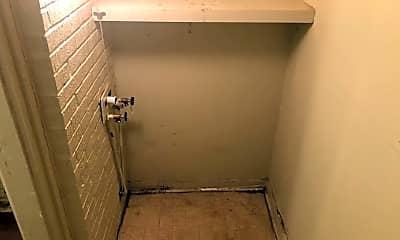 Bathroom, 3224 NW 45th St, 2
