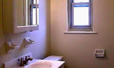 Bathroom, Grandview Gardens, 2