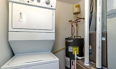 Bathroom, 1055 N Wolcott Ave, 2