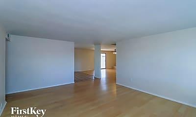 Living Room, 14242 N 39th Way, 1