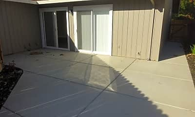 Patio / Deck, 396 Spinnaker Way, 2