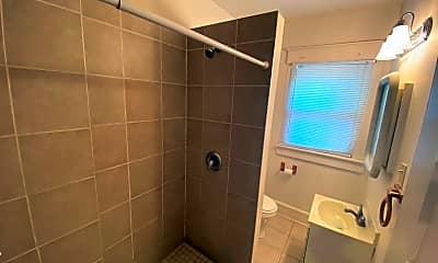 Bathroom, 1659 Summit St, 2