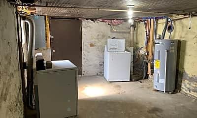 Bathroom, 96 Lenhart St, 2