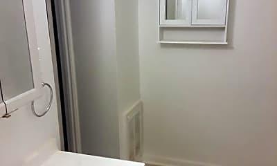 Bathroom, 1926 Gough St, 2