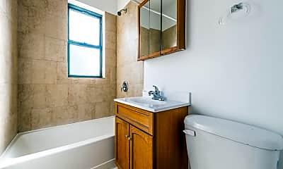 Bathroom, 2845 E 77th St, 2
