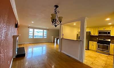 Living Room, 656 Farm Rd, 1