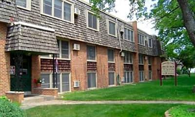 Building, Cambridge Court Apartments, 2