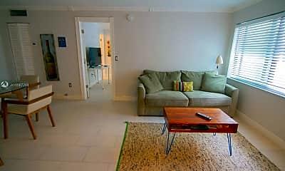 Living Room, 753 Michigan Ave 2C, 1