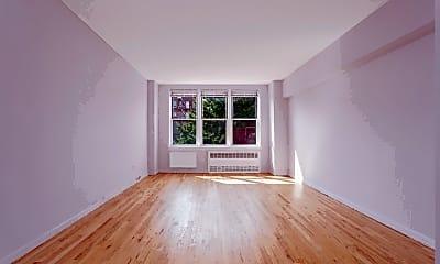Living Room, 495 E 7th St 4F, 1