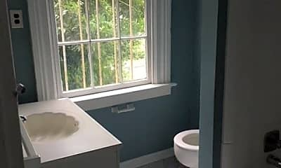 Bathroom, 224 E Gwinnett St, 2