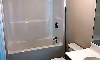 Bathroom, 123B Rocky Rd, 2