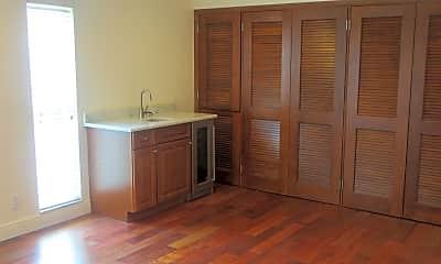 Bedroom, 638 High St, 2