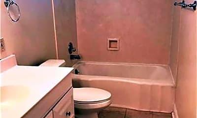 Bathroom, 1540 Orpheum Ave, 2