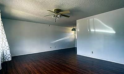 Living Room, 86-742 Puuhulu Rd, 1