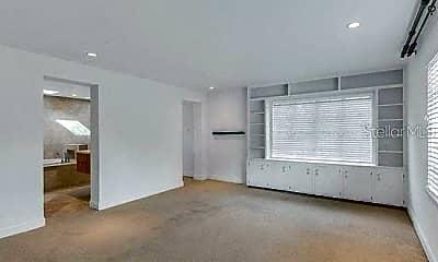 Living Room, 819 Wilkinson St, 2