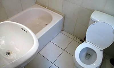 Bathroom, 434 S 1st Ave 3, 2