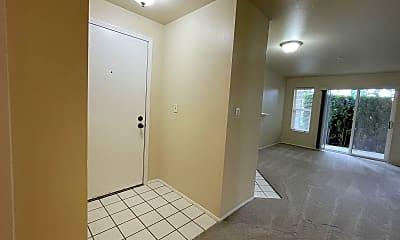 Building, 9910 NE 137th St, 1