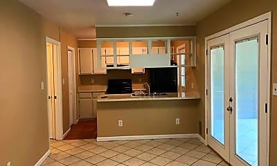 Kitchen, 3116 Village W Dr, 1