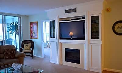 Living Room, 3090 N Course Dr 803, 1