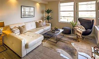 Living Room, 2899 Collins Ave 617, 1