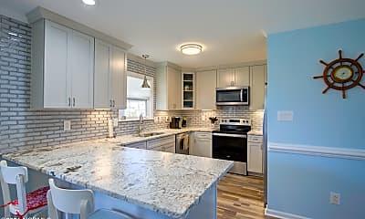 Kitchen, 131 Gemstone Dr, 2