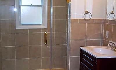 Bathroom, Lawrenceville Gardens Apartments, 2