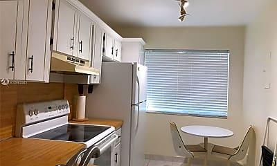 Kitchen, 3571 Inverrary Dr 208, 2