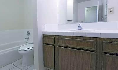 Bathroom, Minnewawa Apartments, 2
