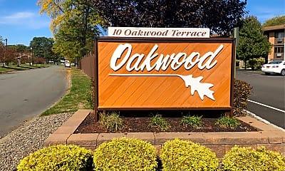Oakwood, 1