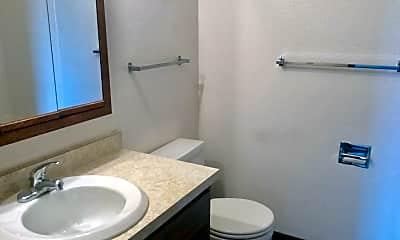 Bathroom, 679 19th St W, 2