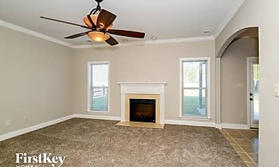 Living Room, 684 Forest Lakes Dr, 1