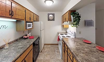 Kitchen, College Living St. Cloud, 1