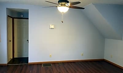 Bedroom, 800 S Center St, 2