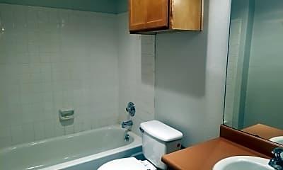 Bathroom, 9209 Shadow Crest Dr, 2