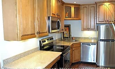 Kitchen, 135 Riverbend Dr, 1